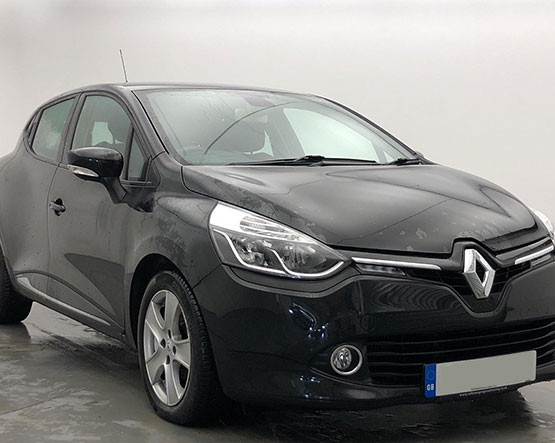 Front view image of a Clio.