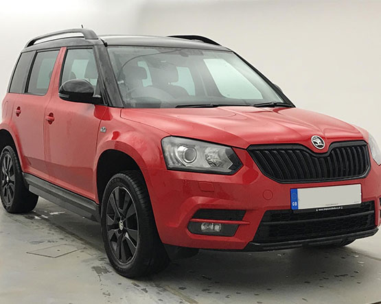 Front view image of a Skoda Yeti.